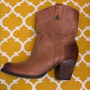 GB boots 7.5 women's. Great Shape!